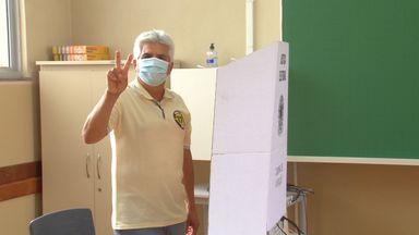 Candidato a prefeito, Chico Lopes votou na manhã deste domingo, 15