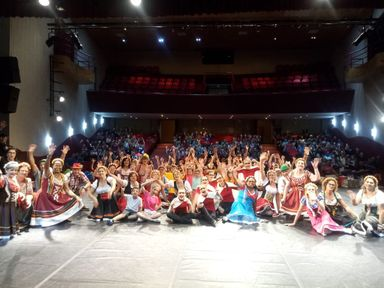 Noite da Dança promovida pelo Departamento de Cultura de Herval d' Oeste encanta o público