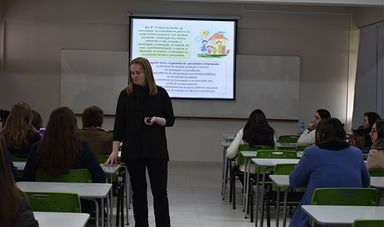 Curso de Psicologia da Unoesc debate abuso sexual contra crianças e adolescentes