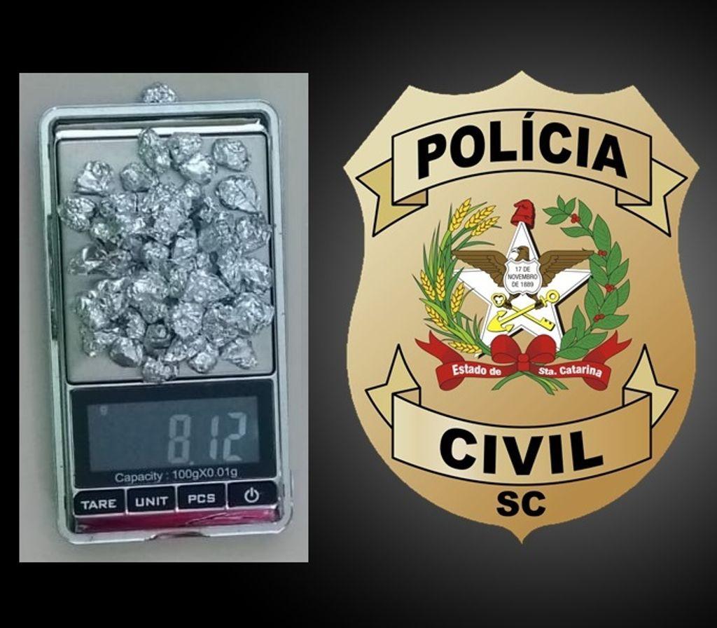 Polícia Civil prende uma pessoa e apreende 51 pedras de crack em Herval