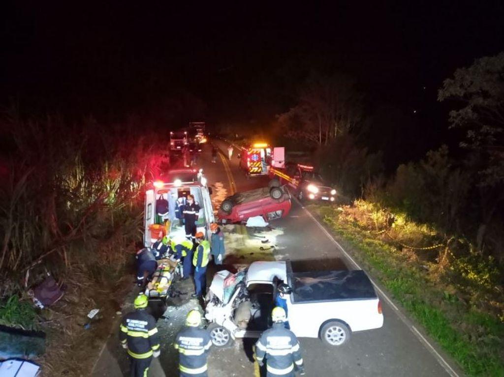 Duas pessoas morrem em grave acidente na SC-155 no Oeste