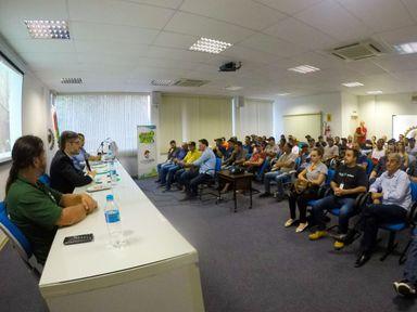 Palestra reuniu empresários e funcionários da construção Civil