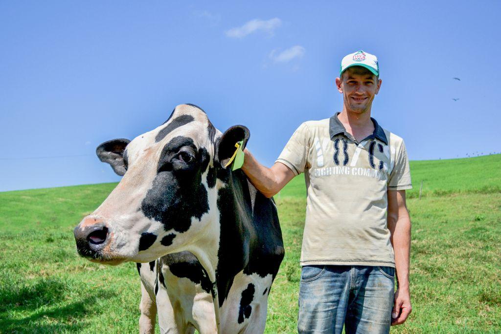 Lacticínios Tirol preza a relação com o produtor rural e fornece suporte à cadeia produtiva