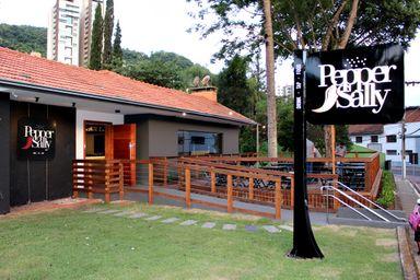 Empresários inauguram novo bar em Joaçaba, o Pepper Sally