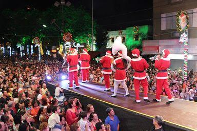 """Natal Encantado de Joaçaba será aberto dia 30 com a chegada do Papai Noel e espetáculo do """"Circo de Palco"""""""
