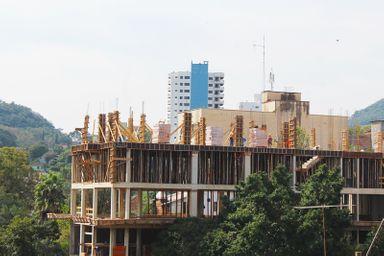 Alvarás concedidos para novos empreendimentos somaram 13.391,80 m² de área construída.