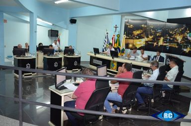 Vereadores de Capinzal aprovam parecer pelo arquivamento do processo de cassação do prefeito Nilvo Dorini