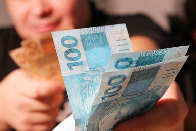 Caixa divulga calendário de pagamentos do saque emergencial do FGTS