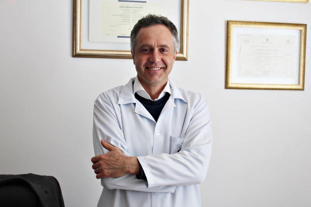 Dr. André Guerreiro.