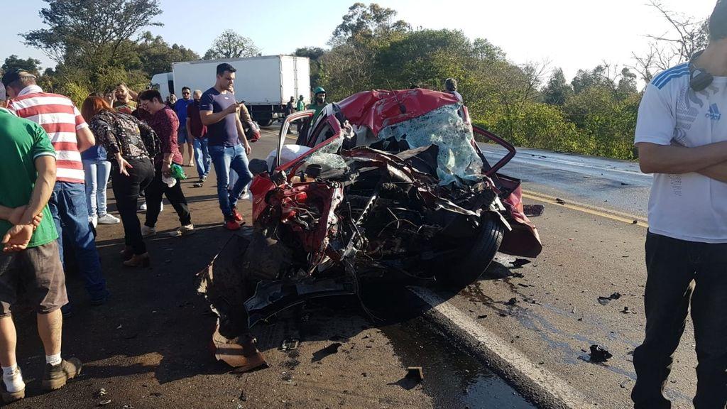 Duas pessoas morrem em gravíssimo acidente na BR 282