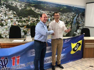Convenção do PP/PL confirma Mauro Martini e Jair da Pirâmide como candidatos a prefeito e vice de Herval
