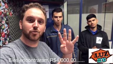 Jovens encontram carteira em Luzerna com R$ 4 mil e devolvem ao dono
