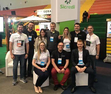 Sicredi UniEstados participa da Feira Gera 2019 e promove o 1º Hackathon Sicredi