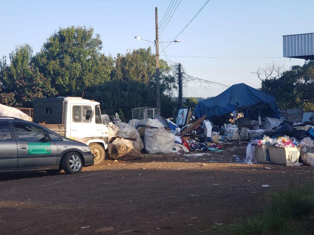 Associação de coletores de recicláveis se manifesta sobre impasse com barracão em Joaçaba