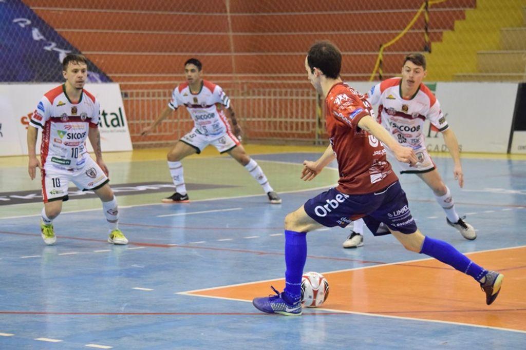 Joaçaba Futsal é superado pelo Curitibanos pela Série Ouro