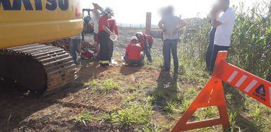 Trabalhador fica parcialmente soterrado durante escavação na BR-153
