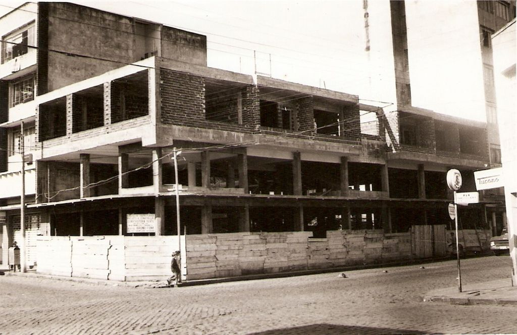 Construção do prédio da atual localização da Loja - Foto 1970