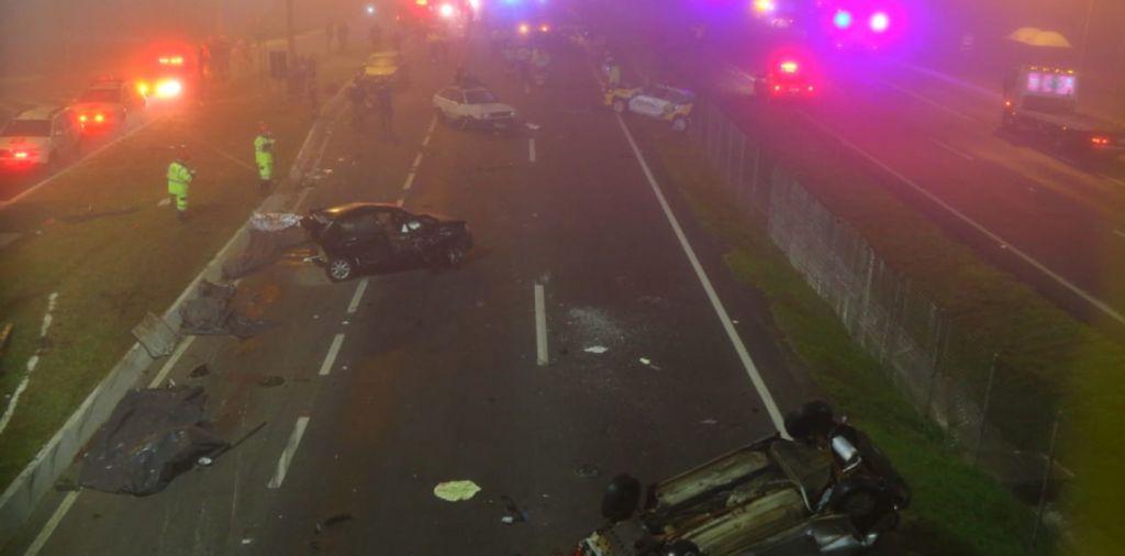Fumaça causa acidente com vários mortos e feridos na BR-277, no Paraná