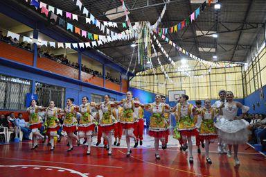 Arraia do Santíssima mantém tradição e atrai grande público