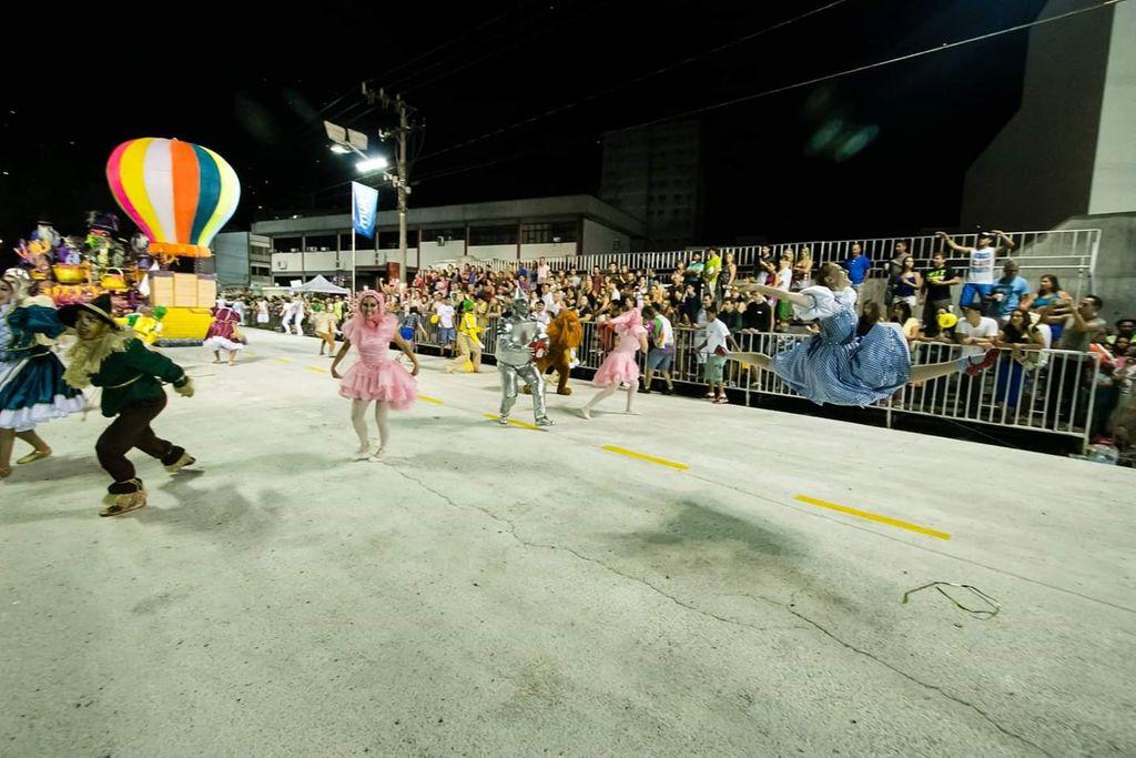Carnaval 2015 pela escola Vale Samba