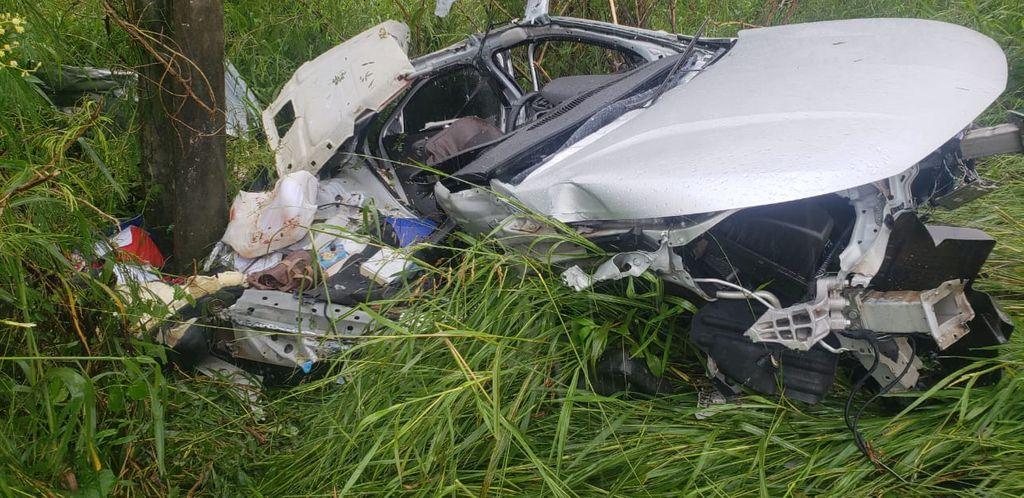 Três pessoas da mesma família morrem em acidente na BR-470