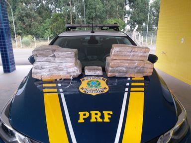 PRF apreende 31 KG de maconha na BR 282 em Campos Novos