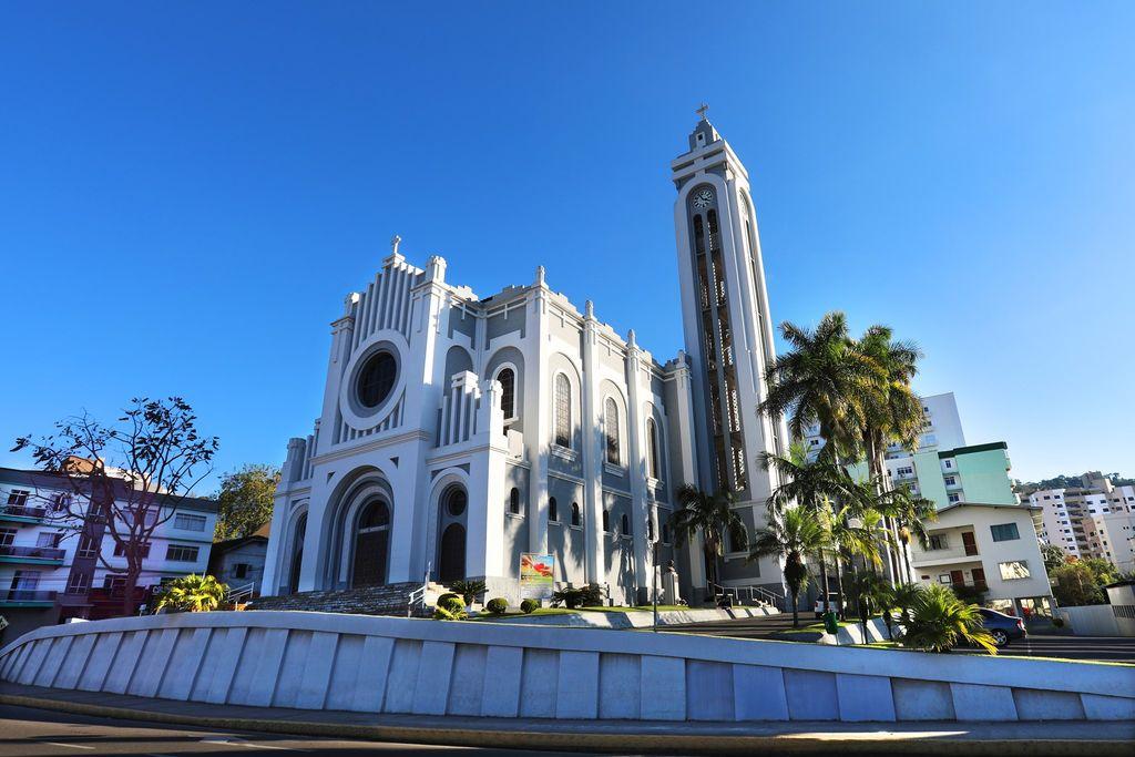 Missa dominical será transmitida ao vivo pelo Portal Éder Luiz