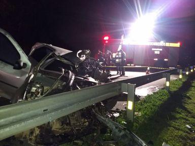 Motorista de carro morre em acidente com ônibus na BR 116 em SC