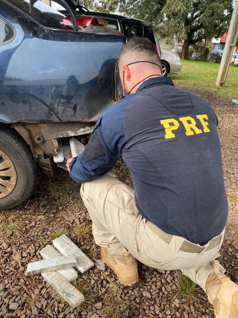 Ação conjunta PRF e Civil apreende maconha escondida em para-choque de carro