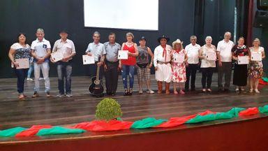Secretaria de Assistência Social de Joaçaba promove 1ª Mostra Cultural dos Idosos