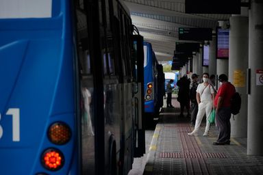 Aumento foi puxado por profissionais administrativos e transportes - Foto: Ricardo Wolffenbüttel / Secom