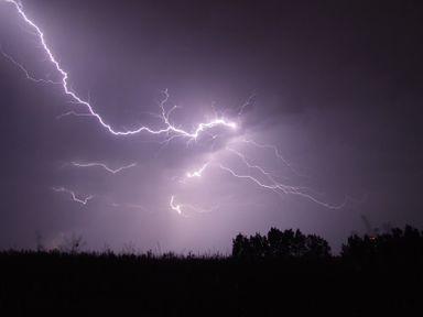 SC tem alerta para tempestade, granizo e vento de até 90 km/h