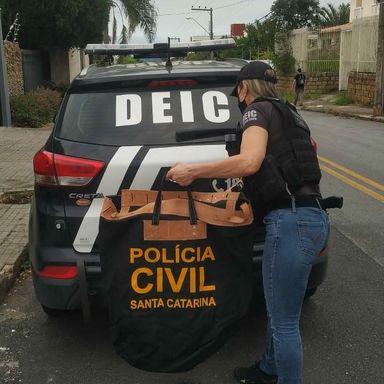 Polícia Civil realiza operação para apurar irregularidades em contrato de vagas de estacionamento