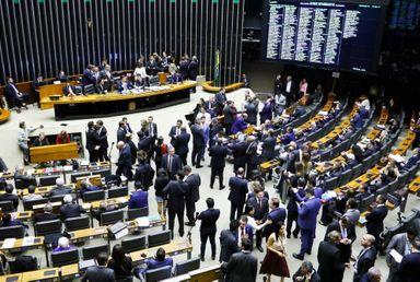 Por 370 a 124 Câmara aprova em segundo turno o texto-base da reforma da Previdência