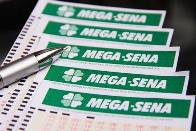 Mega-Sena de R$ 170 milhões pode render R$ 629 mil ao mês na poupança