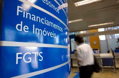 Caixa divulga calendário de saques do FGTS de até R$ 500