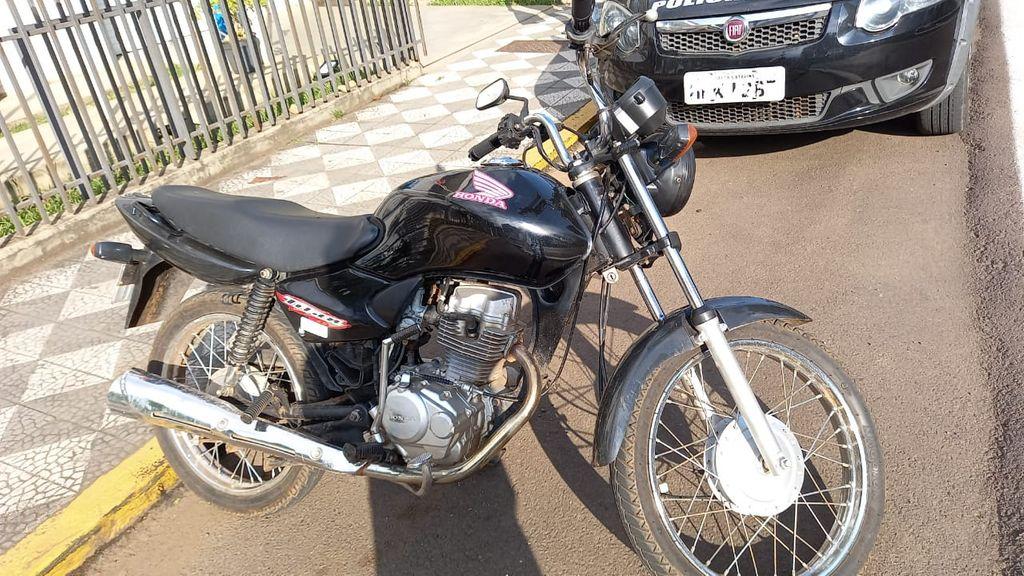 Após anúncio de venda na internet, Polícia Civil de Joaçaba recupera motocicleta furtada