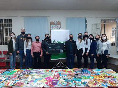 Ação Social do Sicredi possibilita a compra de livros para escolas de Jaborá
