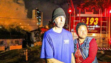 Casa pega fogo em Caçador e moradores afirmam que a causa é sobrenatural