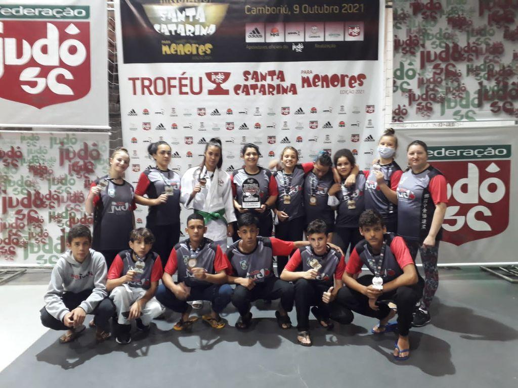AMOJudô conquista 11 medalhas no Troféu Santa Catarina para Menores