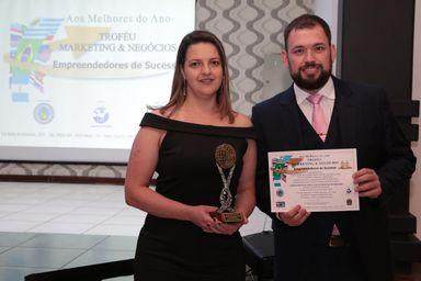 Otavio de Marco Dala Rosa, Diretor Geral do laboratório, e a Dra. Ana Carla da Costa, Diretora Técnica