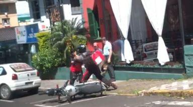 Empresa que opera o estacionamento rotativo se manifesta sobre briga que envolveu monitora