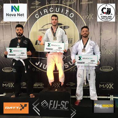 Jiu Jitsu de Joaçaba conquista 7 medalhas em competição em Balneário Camboriú