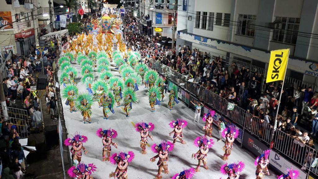 Confira a programação desta segunda-feira de Carnaval em Joaçaba