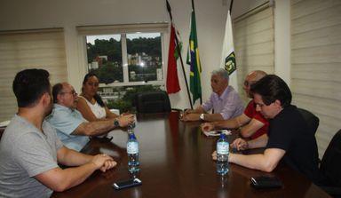 Reunião entre executivo e legislativo, debateu a obra e ocorreu na última semana.
