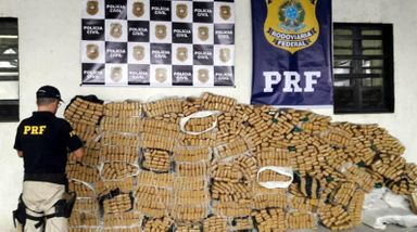 Ação conjunta PRF e Polícia Civil apreende 1.750 quilos de maconha no sul catarinense