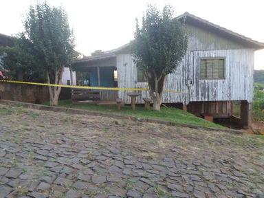 Casa onde a criança foi morta. (Foto: Michel Teixeira)