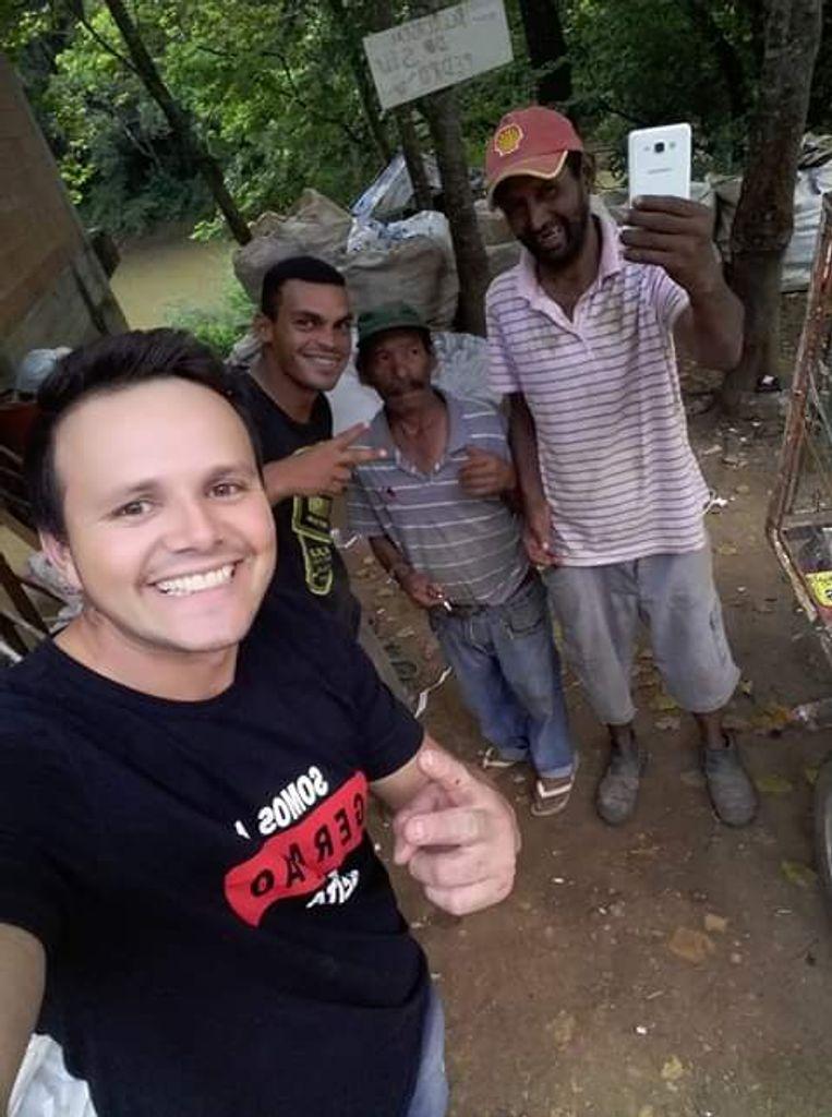 Da dependência para a solidariedade! Voluntários criam grupo para ajudar dependentes químicos e pessoas envolvidas com o crime
