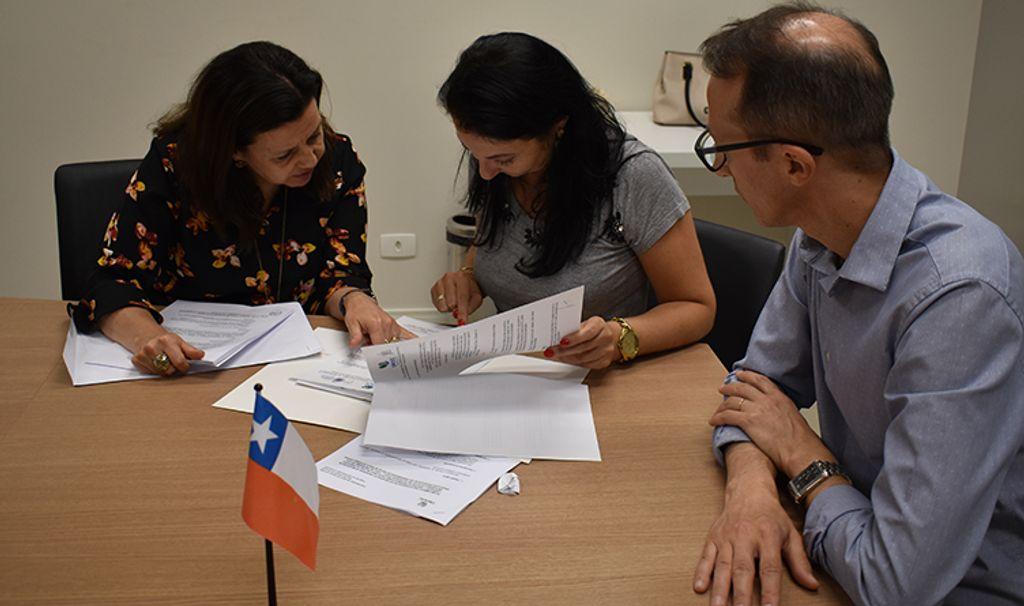 Entrega do acordo de cooperação