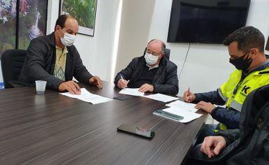 Assinada a Ordem de Serviço para pavimentação da Rua Tancredo Neves